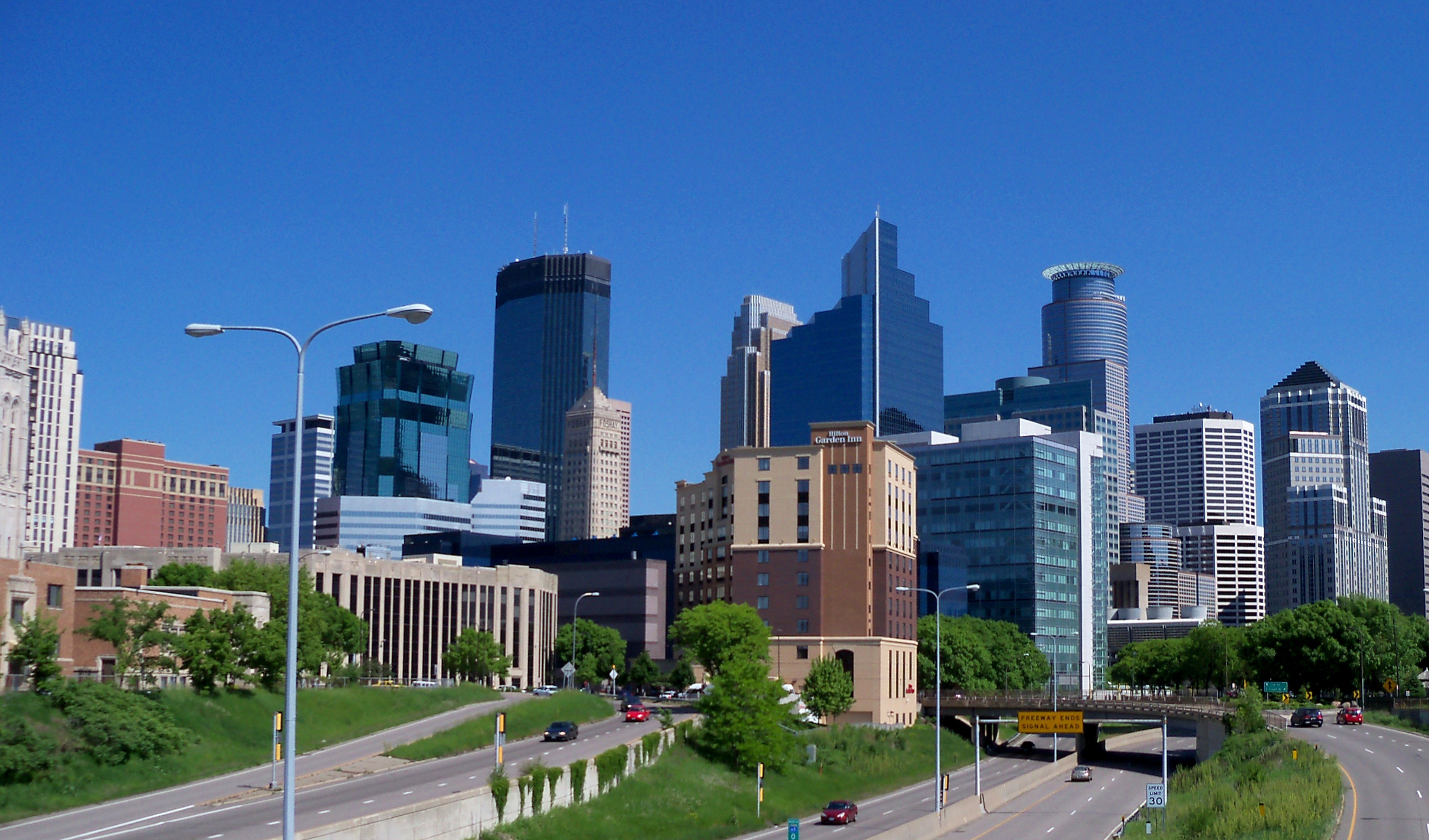 Minneapolis_skyline_51