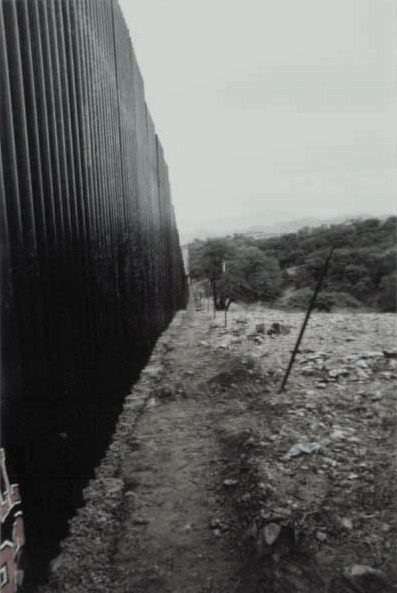 Steel_Fence_SonoraMX_MTamez_Delegation_012708-1-